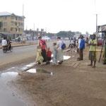 crossing Aba-Owerri road