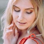 "Beauty Shooting. Bild von <a href=""https://www.dako-photography.de//"" target=""_blank"" style=""color: yellow"">Daniel Kondratiuk</a>"