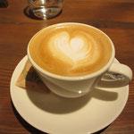 ラッテ・アートが美しいカフェ・ラッテ