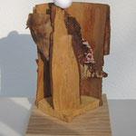 WEBE H2, aus Fundstücken Holz und Rinde, unbehandelt