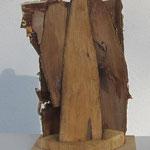 WEBE H1, aus Fundstücken Holz und Rinde, unbehandelt