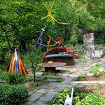 WEBE I1, Garteninstallation aus Faßdauben
