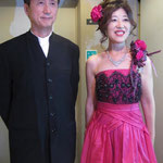 山中久恵さんとピアノの小島先生と。お二人の素敵なコンサート始まりです。