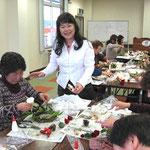 各地の商工会議所関連のプリザーブドフラワー講習会が好評です。大きく咲かせる技法だからかな。