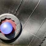 pièce de vélo et perle en guise de boutons