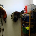 Sattelkammer mit Reiterstüberl (im Winter beheizt)