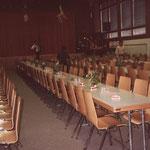 Alles bereit in der Mehrzweckhalle im Dörfji