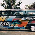 Décoration de bus à l'aérographe