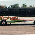 Décoration de bus à l'aérographe Michel