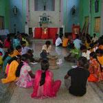 Dans les paroisses et les écoles de jeunes chrétiens sont familiarisés avec des sujets tels que l'amour, l'amitié et les émotions.