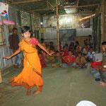 Chaque mercredi après-midi les enfants sont familiarisés avec la culture locale.