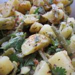 Libanesischer Kartoffelsalat würzig-pikant