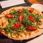 Pizza Bianco (ohne Ziegenkäse und Trüffelhonig)