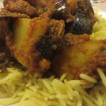 Alu Bharta (Auberginen, Kartoffeln, Zwiebeln, Tomaten, indische Gewürze)