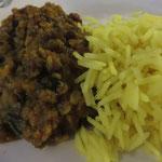 Dal Tarka (Linsen, frische Tomaten, Zwiebeln, indische Gewürze)