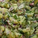 Natürlich dürfen ein paar Essensfotos in Nahaufnahme nicht fehlen - was dachtest du denn? Hier der Kartoffelsalat.