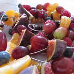 bunte Früchte-Spieße