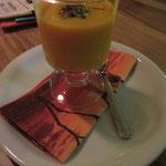 Ein Traum von einem Dessert: Mango-Safran-Creme, die ab sofort übrigens immer vegan sein wird