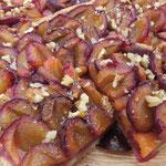 Streuselkuchen mit frischen Pflaumen