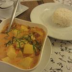 Massaman Curry (mit Tofu/Tempeh statt Hähnchen)