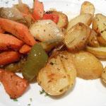 Rosmarinkartoffeln mit Schmorgemüse