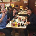 沖縄のステーキ有名店にて。