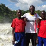 Lehrer David mit zwei Schülern