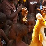 2013 schenkt uns Burg Wächter 50 Vorhängeschlösser für die Schränke unserer Kinder