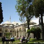 Jardins et pavillon du conquérant dans la troisième cour