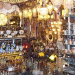 Commerce de lampes et services à thé et café