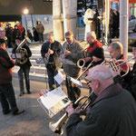 """Weihnachtliche Lieder spielte die Musikkapelle """"St. Sebastian"""""""