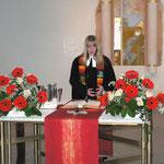 Die neue Pfarrerin hält ihren ersten Gottesdienst in Gethsemane