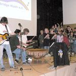 """Ganz zum Schluss sangen Kinder der Karl-Kroiß Schule """"Wir bauen Brücken"""""""