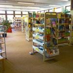 Ein Innenraum der Bücherei