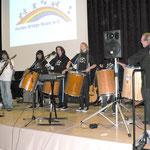5 Trommler der Karl-Kroiß Schule spielten gemeinsam mit der Band