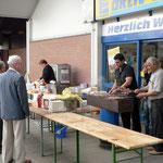 Cafe au late servierte köstliche Schaschliks