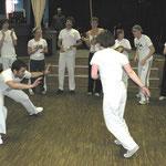 Diese Gruppe führte einen apoeira, einen brasilianischen Kampfsport-Tanz auf