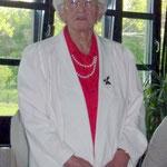 Frau Trinnes berichtet über Gebräuche zum Muttertag in Siebenbürgen