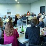 Die Vorsitzende des Bürgervereins Christiane Kerner begrüßt die Anwesenden zur Mitgliederversammlung und zur Verleihung des Bürgerpreises 2014 an Gisela Selbach