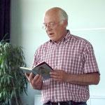 Ernst-Martin Eras trägt Gedichte und Geschichten vor