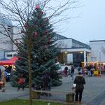 Weihnachtsbaum auf dem Place de Caen