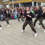 Ein weiterer Hip Hop Tanz von Mädchen des JZH