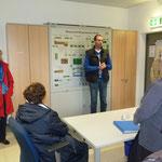 Wassermeister Chr. Huber begrüßt seine Besucher und hält einen Vortrag