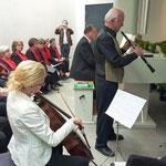 Es spielen: Miriam Eras, Ernst-Martin Eras, musikalisch begleitet von Fred Elsner an der Orgel
