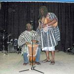 Als erste Gruppe traten die Ghana-Trommler auf