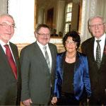 Von Links: Regierungspräsident P. Beinhofer, Staatssekretär Eck und das Ehepaar Kastner