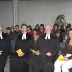 Foto: G. Selbach, von links: Pfarrer v. Egidy, Vikar G. Kaeppel, Pfarrer Eduard Kaeppel (Vater) u. Katrin Fiegl (Freundin)