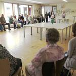 Frau Seelmann begrüßt die zahlreichen Besucher