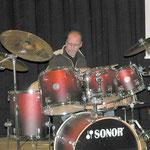 Am Schlagzeug zeigte Steffen Simny sein Können