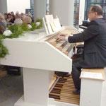 An der Orgel: Fred Elsner